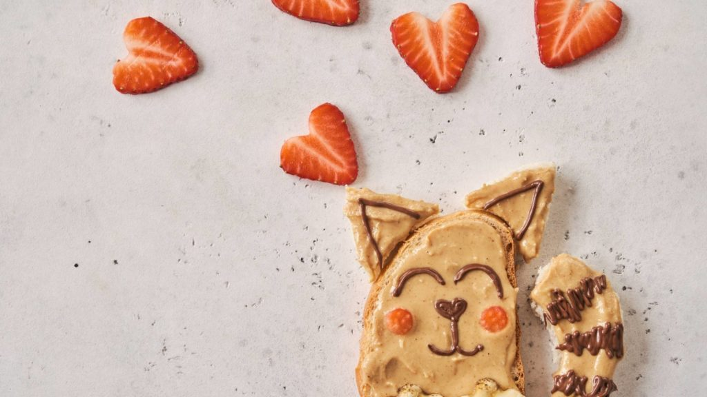 Can cats eat peanut butter and bread